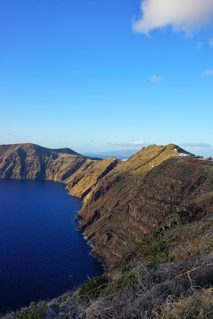The most amazing hike in the whole of Santorini starts here, in Thira. Incredible views of Thira, Oia and a spectacular overview of the whole island.